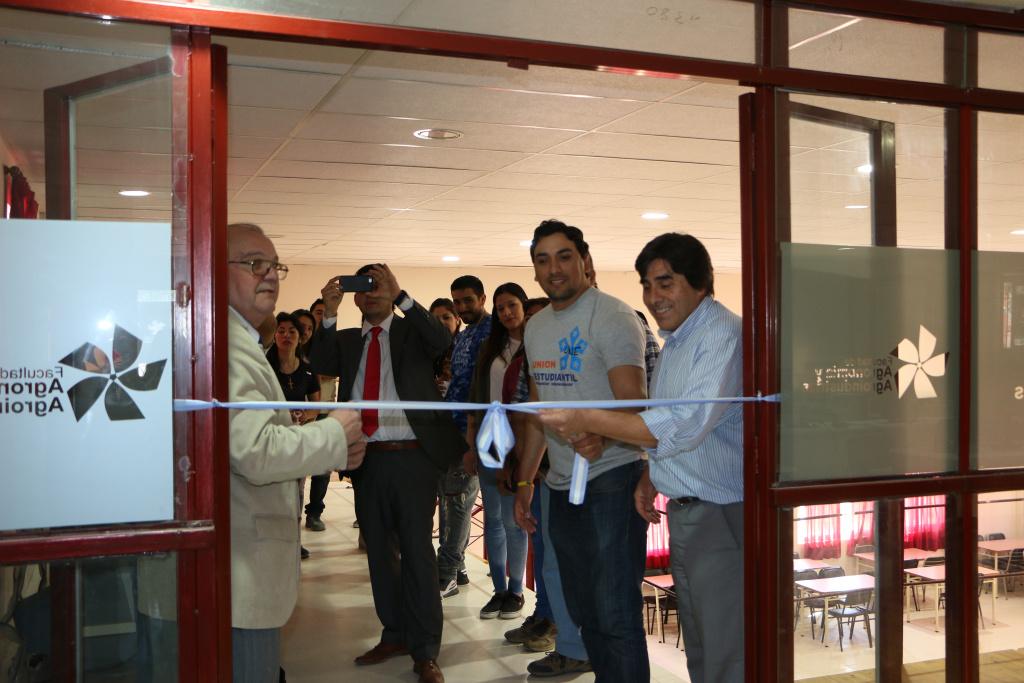 Faya: Inauguración de Laboratorio de Informática y Bar