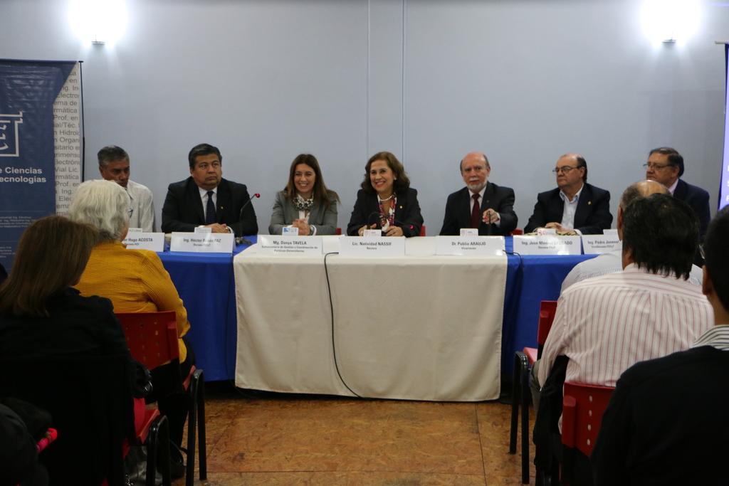 Conferencias magistrales- Visita de Danya Tavela