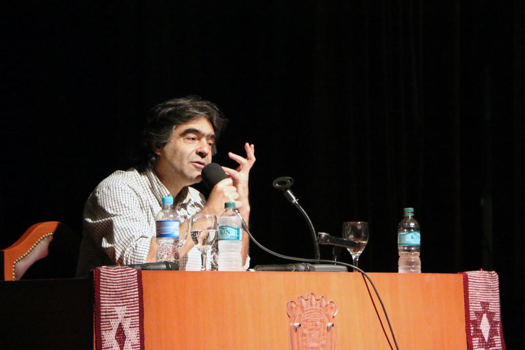 Filosofía y Política en la Gestión Educativa