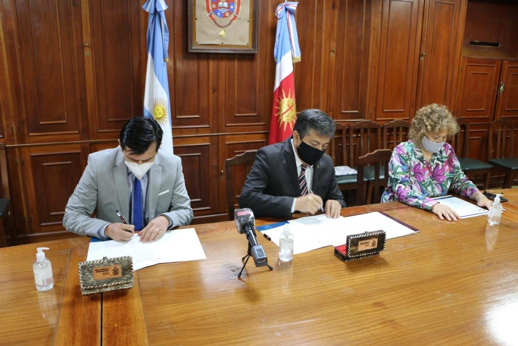 Firma de Convenio fortalece el vínculo institucional entre la UNSE y la UNViMe
