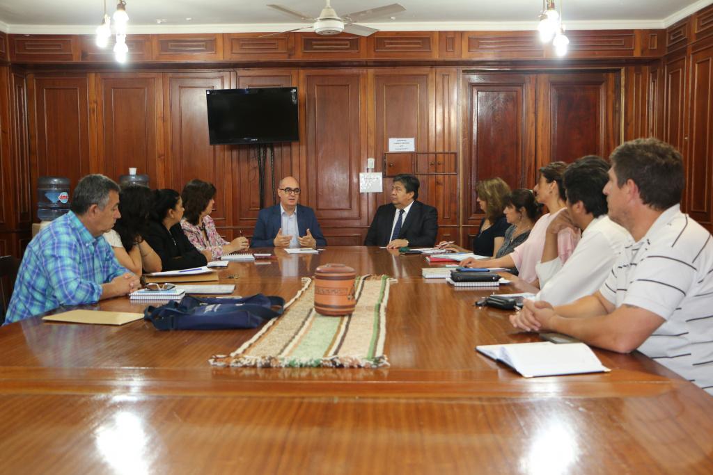 Reunión con representante del Ministerio de Modernización